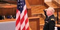 2018 07-01 Wayne Leeper leads the   Pledge of Allegiance_resized
